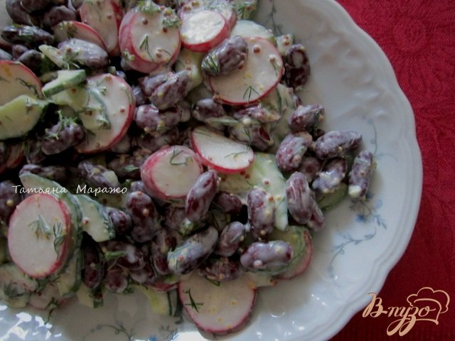 Фото приготовление рецепта: Салат с  красной фасолью шаг №4