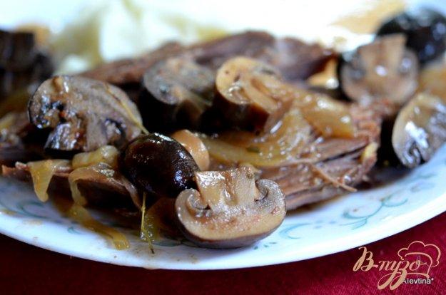 Рецепт Говядина тушеная с грибами