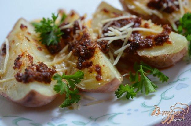 фото рецепта: Картофель в заправке с вялеными помидорами