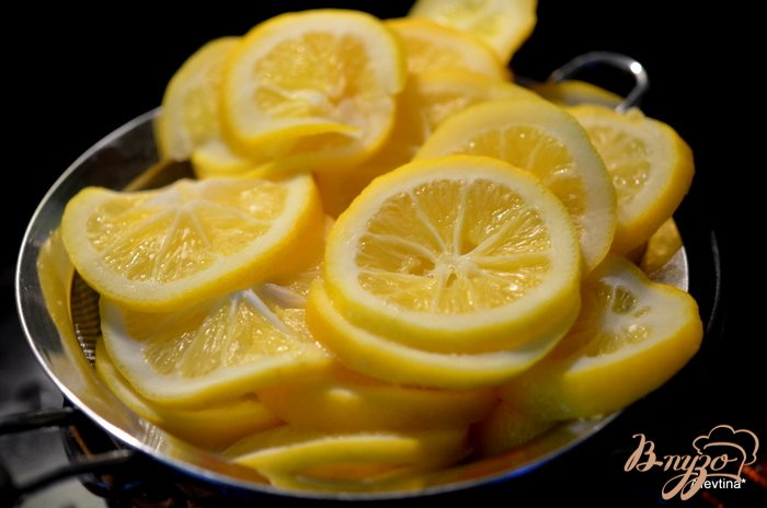 Фото приготовление рецепта: Джем лимонов Мейера с шампанским шаг №2
