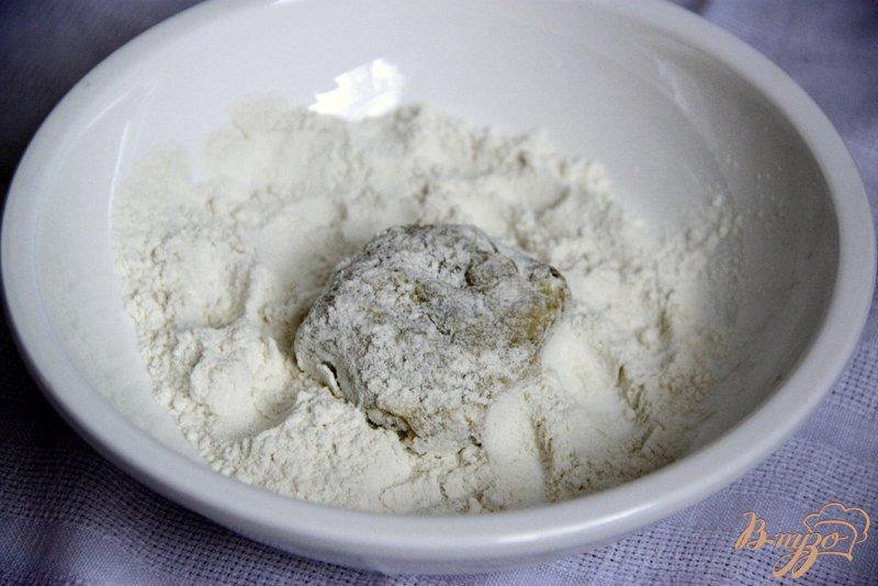 Фото приготовление рецепта: Тефтельки из кабачков и феты по-гречески шаг №3