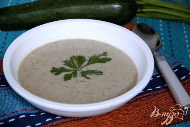фото рецепта: Крем-суп из шампиньонов и цукини