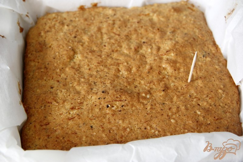 Фото приготовление рецепта: Кекс с тыквой, морковью и орехами шаг №8