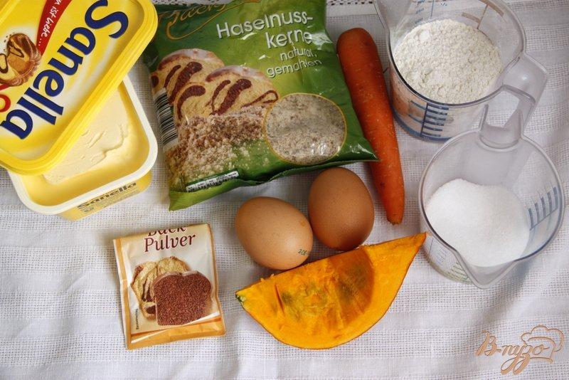 Фото приготовление рецепта: Кекс с тыквой, морковью и орехами шаг №1