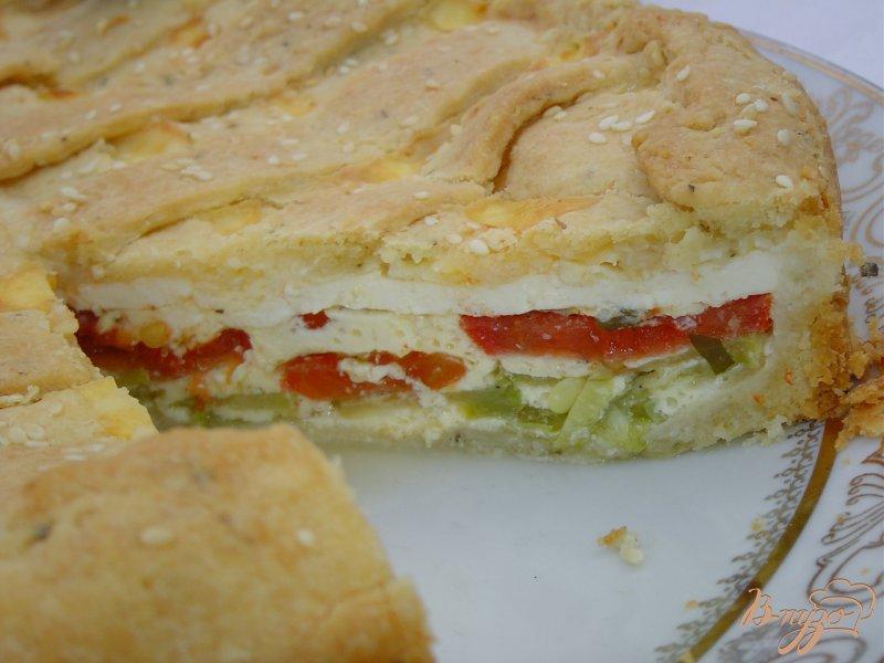 Фото приготовление рецепта: Пирог с овощами и брынзой шаг №9
