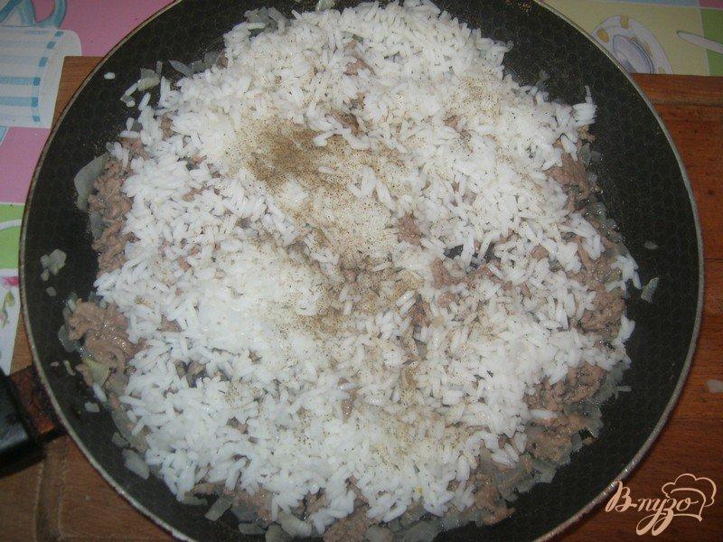 Фото приготовление рецепта: Ленивые голубцы в горшочке шаг №3