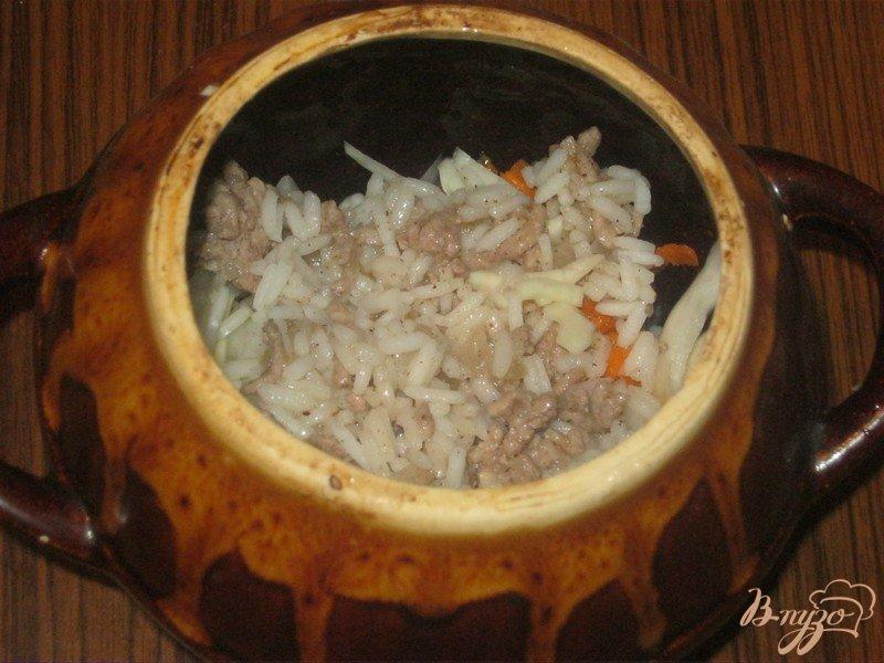 Фото приготовление рецепта: Ленивые голубцы в горшочке шаг №5