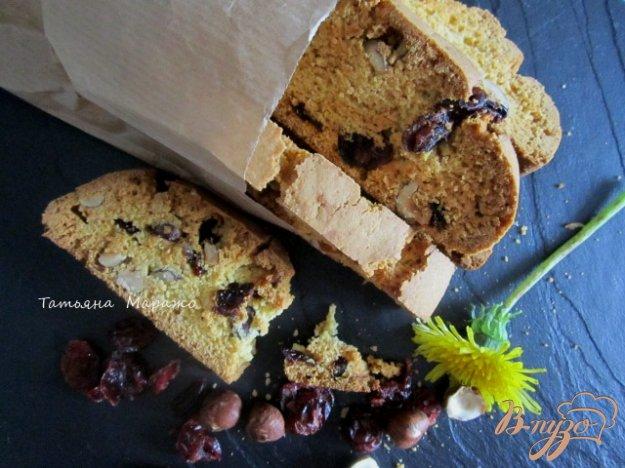 Рецепт Бискотти с лесным орехом и сушеной клюквой
