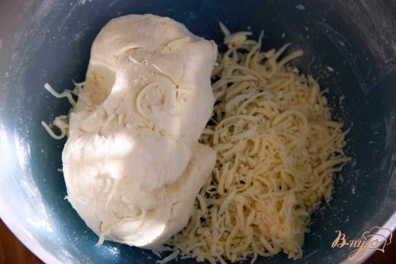 Фото приготовление рецепта: Пирог с карамелизированными баклажанами шаг №2