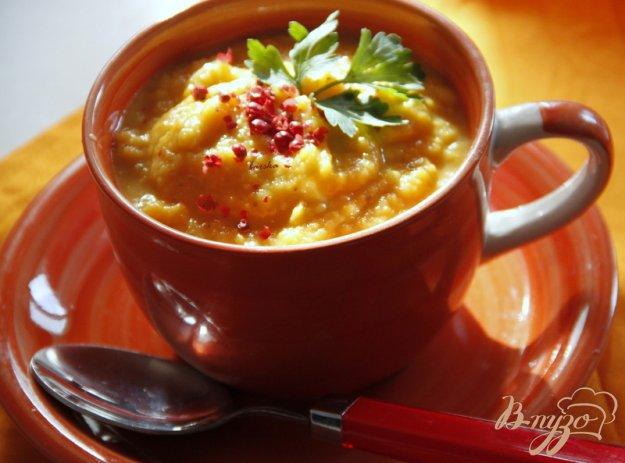 фото рецепта: Суп пюре из тыквы и красной чечевицы