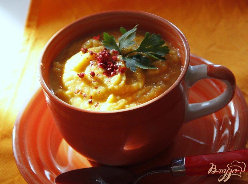 Фото приготовление рецепта: Суп пюре из тыквы и красной чечевицы шаг №7