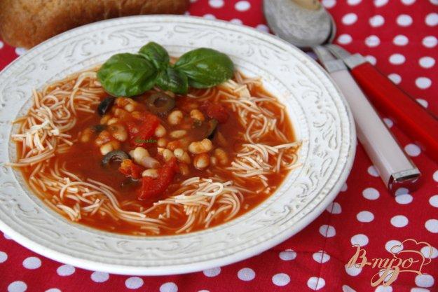 фото рецепта: Средиземноморский томатный суп с фасолью и пастой