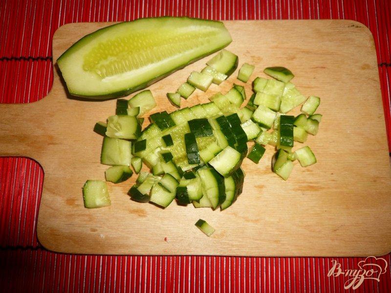 Фото приготовление рецепта: Нежный салат с морской капустой шаг №5