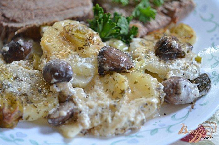 Фото приготовление рецепта: Картофель с грибами шаг №6