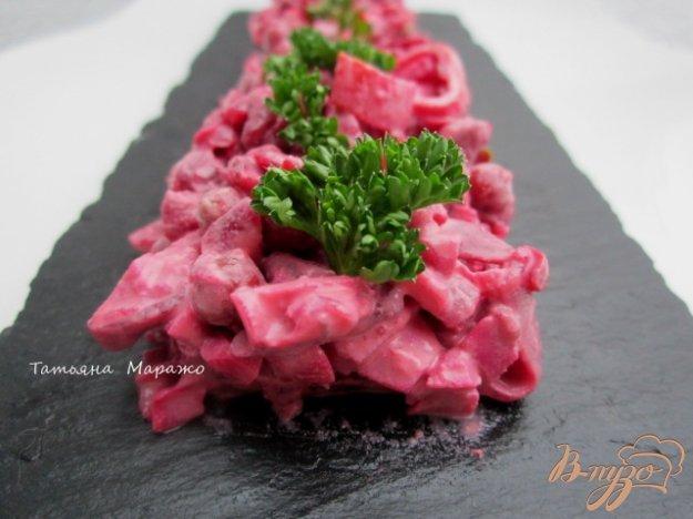 фото рецепта: Свекольный салат с крабовыми палочками