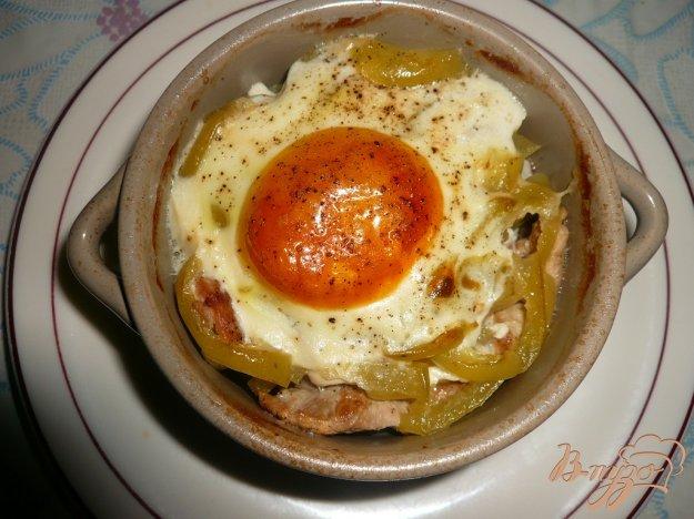 фото рецепта: Свинина с болгарским перцем запеченная в горшочках
