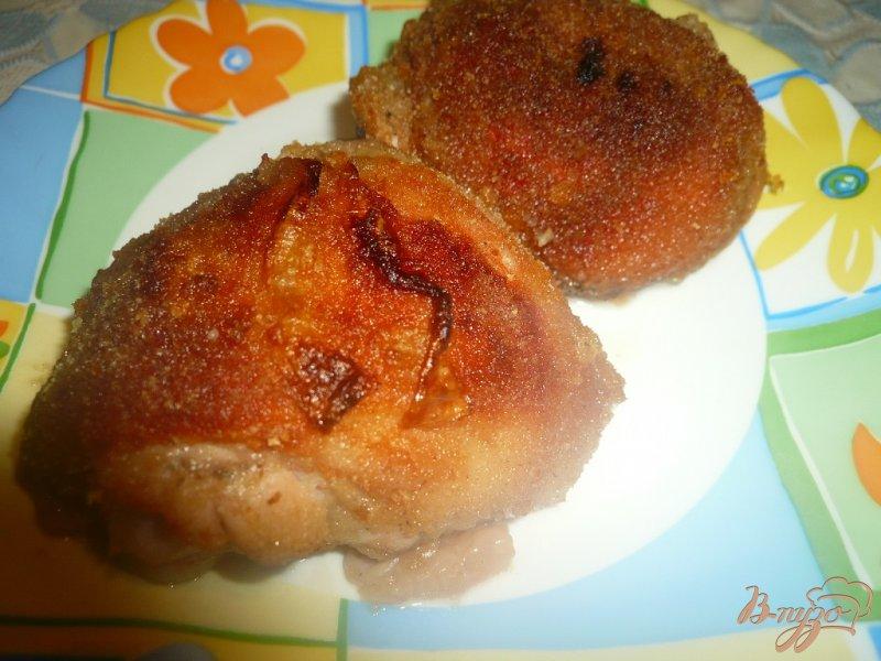 Фото приготовление рецепта: Куриные бедра запеченные в панировке шаг №10