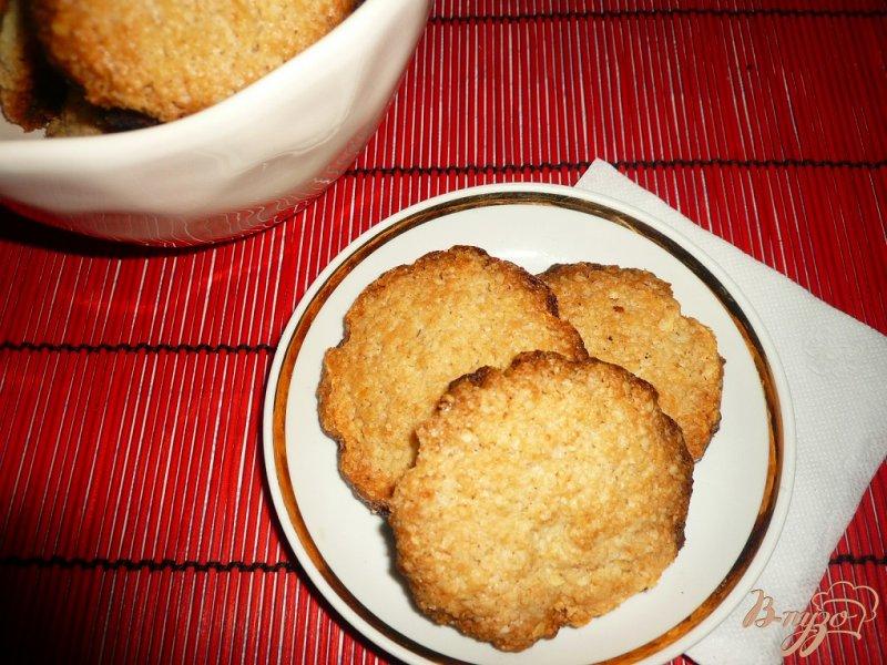 Фото приготовление рецепта: Хрустящее овсяное печенье шаг №9