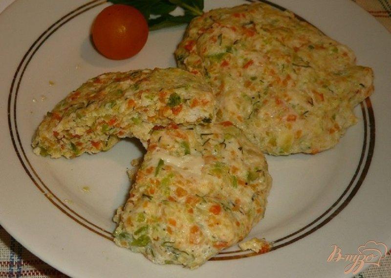 Фото приготовление рецепта: Нежные куриные котлетки с кабачком и морковью шаг №6