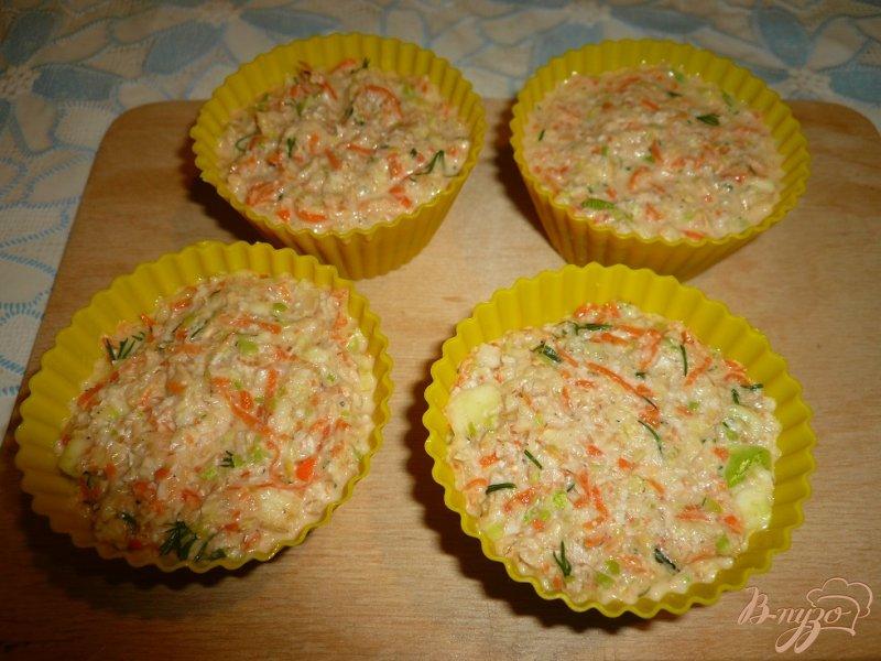 Фото приготовление рецепта: Овощные кексы шаг №5