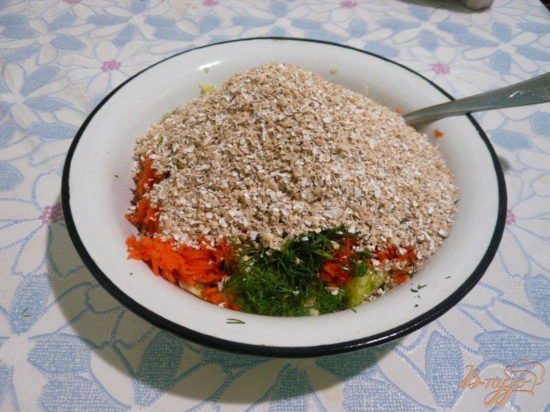 Фото приготовление рецепта: Овощные кексы шаг №3