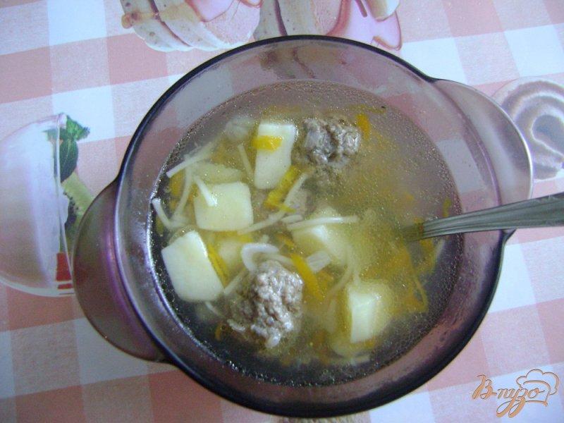 Фото приготовление рецепта: Суп с фрикадельками и паутинкой шаг №4