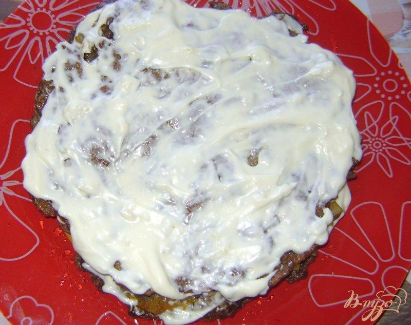 Фото приготовление рецепта: Печеночный торт с шампиньонами шаг №6