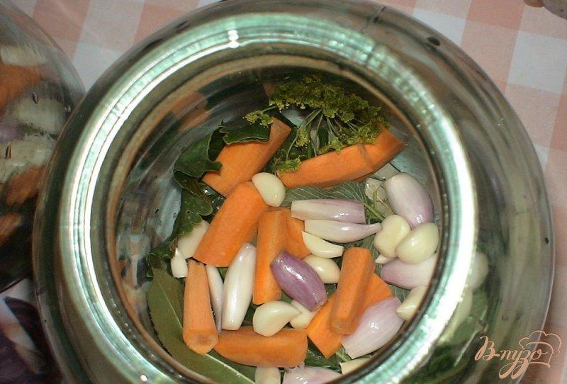 Фото приготовление рецепта: Маринованные хрустящие огурцы шаг №3