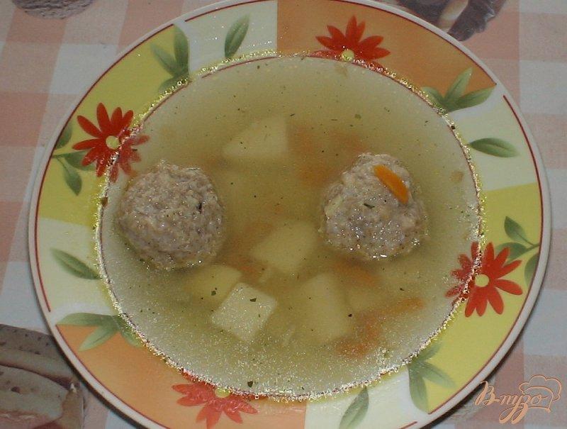 Фото приготовление рецепта: Суп с рыбными фрикадельками шаг №5