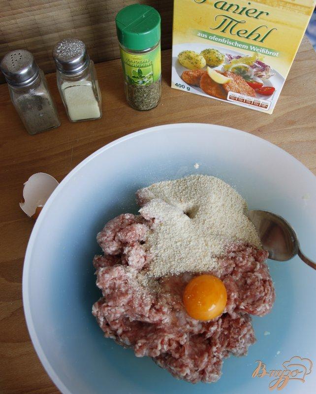 Фото приготовление рецепта: Суп на овощном бульоне с фрикадельками и вермишелью шаг №2