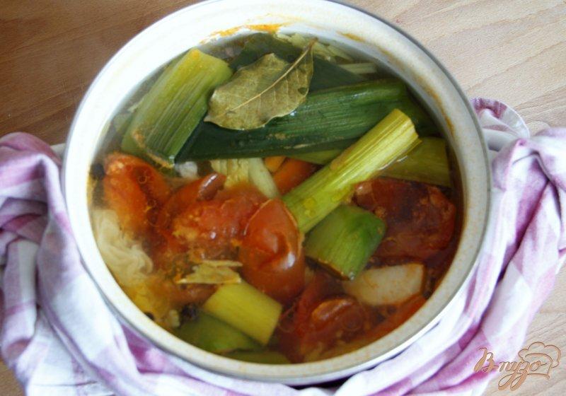 Фото приготовление рецепта: Суп на овощном бульоне с фрикадельками и вермишелью шаг №1