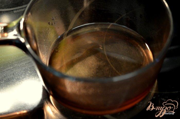 Фото приготовление рецепта: Розовый маринованный лук шаг №2