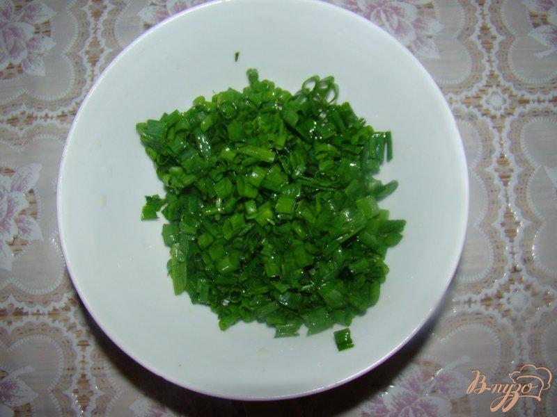 Фото приготовление рецепта: Китайские блины с зеленым луком шаг №5