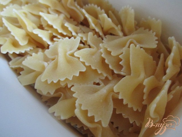Фото приготовление рецепта: Паста с брокколи и сыром Бри шаг №1