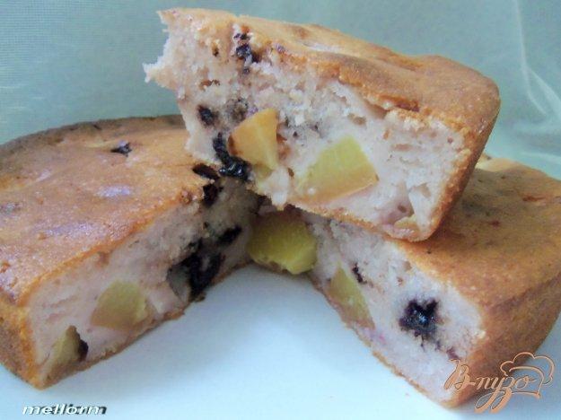 фото рецепта: Пирог с нектарином и шоколадом