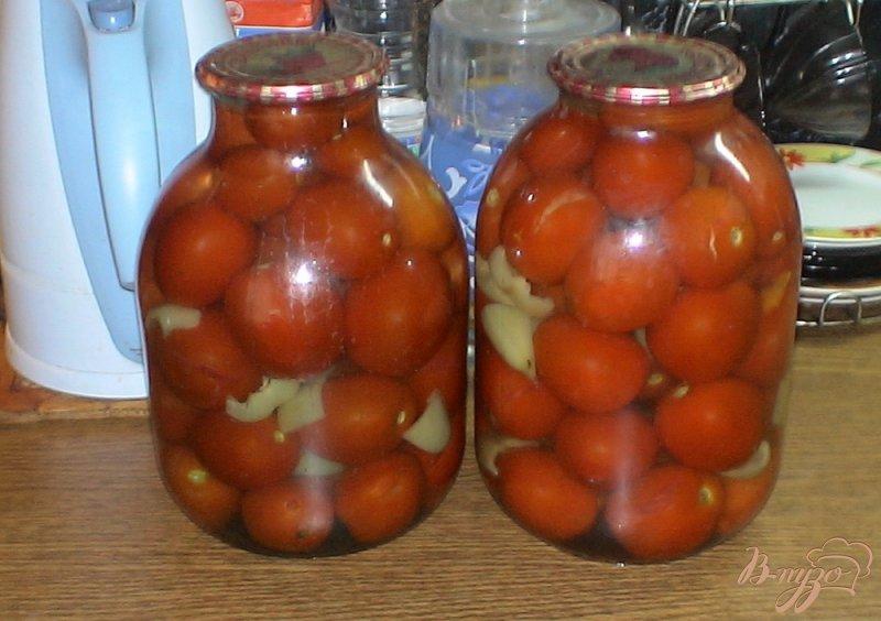 Фото приготовление рецепта: Консервированные помидоры проще простого шаг №6