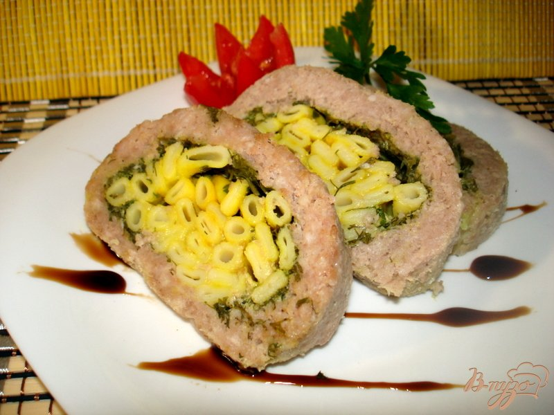 Фото приготовление рецепта: Рулет с макаронами шаг №8