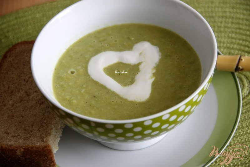 Фото приготовление рецепта: Суп-пюре из зелёного горошка шаг №5
