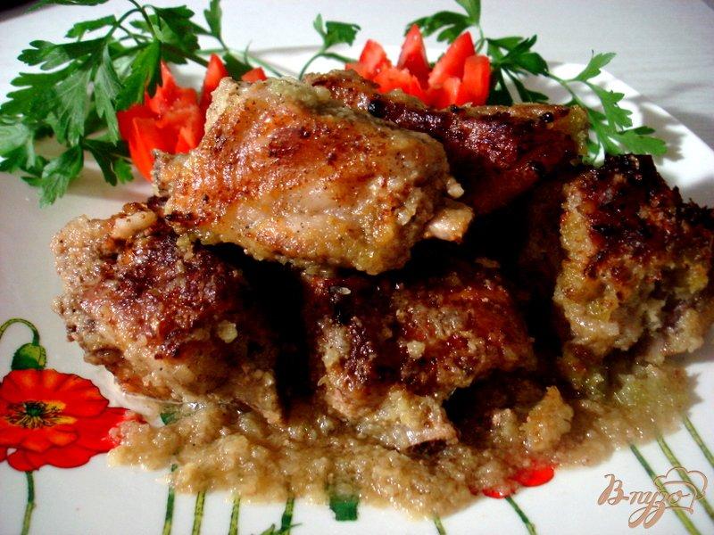 Фото приготовление рецепта: Свиные рёбрышки из духовки шаг №5