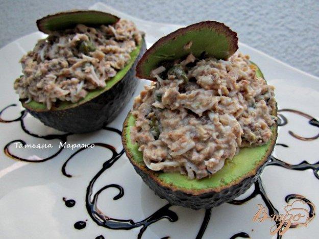 Рецепт Авокадо фаршированный сардинами с каперсами