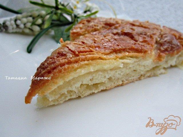 Фото приготовление рецепта: Сладкий пирог из хлебного теста шаг №8