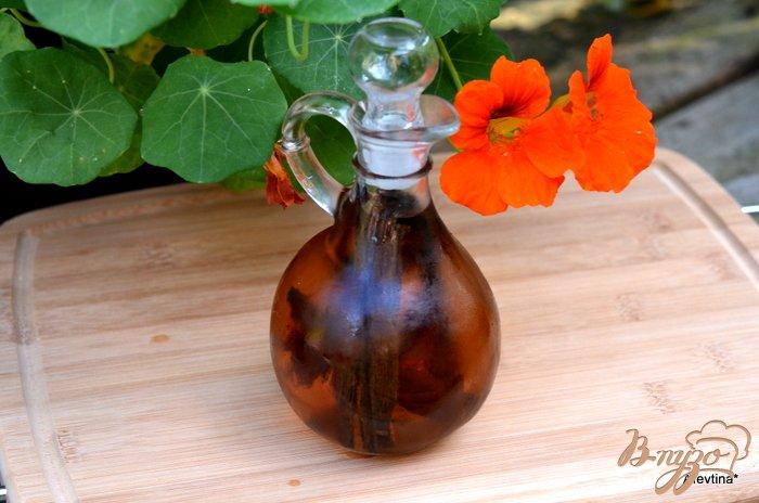 Фото приготовление рецепта: Домашний ванильный экстракт шаг №4