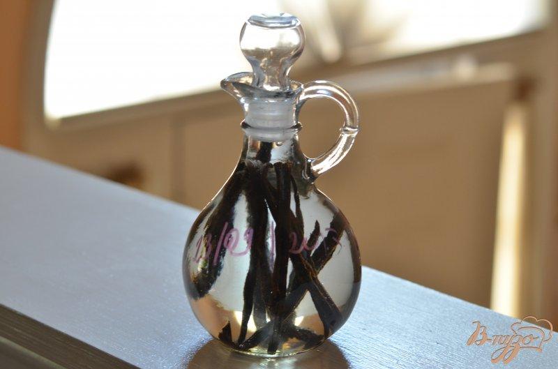 Фото приготовление рецепта: Домашний ванильный экстракт шаг №3