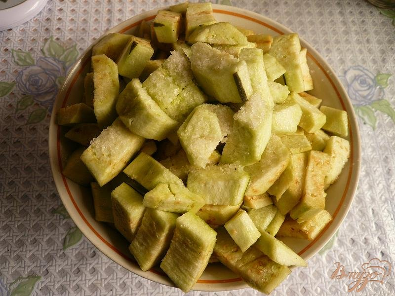 Фото приготовление рецепта: Густой соус из баклажанов шаг №2