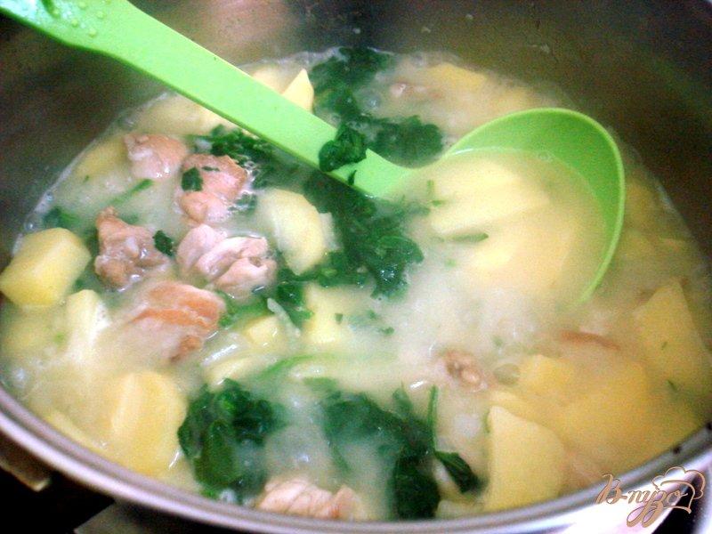 Фото приготовление рецепта: Курица со шпинатом шаг №5