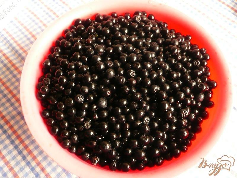 Фото приготовление рецепта: Сироп из черноплодной рябины на зиму шаг №1