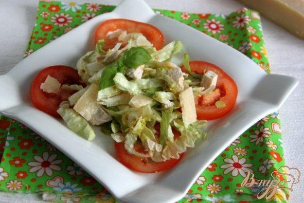 Рецепт Салат из индейки, айсберга и помидоров