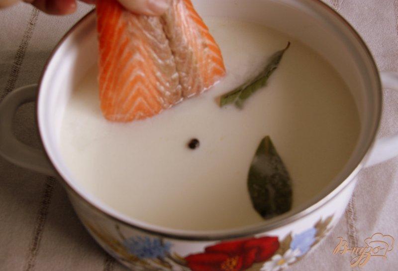 Фото приготовление рецепта: Сливочный суп с рыбой шаг №1