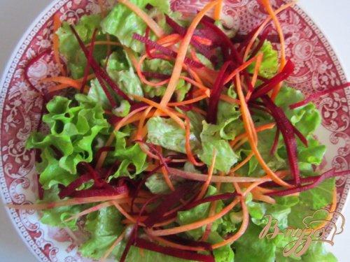 Салат с рулетиками из салями и сыра