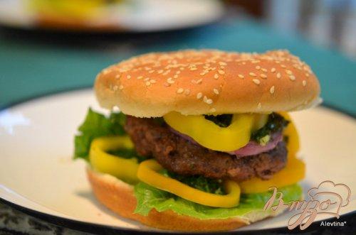 Чимичурри гамбургер